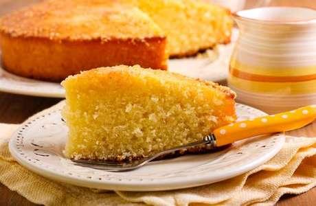 Fatia do bolo de laranja molhadinho