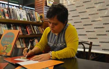 Lançamento de livro de fábulas infantis no Rio, em 2013: além de contar histórias a crianças, ela também criou as suas