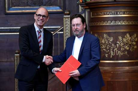 Diretor Lars von Trier recebe prêmio Sonning na Universidade de Copenhague