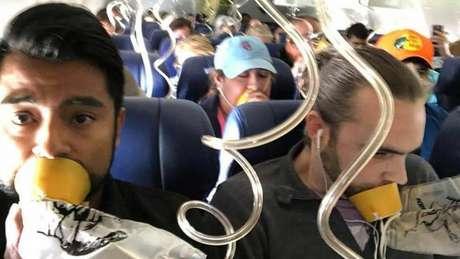 Especialista em avião advertiu que uso de máscaras de oxigênio está errado