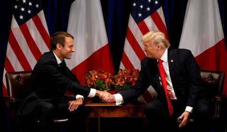 Presidente dos EUA, Donald Trump, e presidente da França, Emmanuel Macron, se encontram em Nova York 18/09/2017 REUTERS/Kevin Lamarque