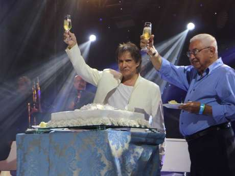 Roberto Carlos comemora aniversário de 77 anos em show em Belém, no Pará, na noite desta quinta-feira, 19 de abril de 2018