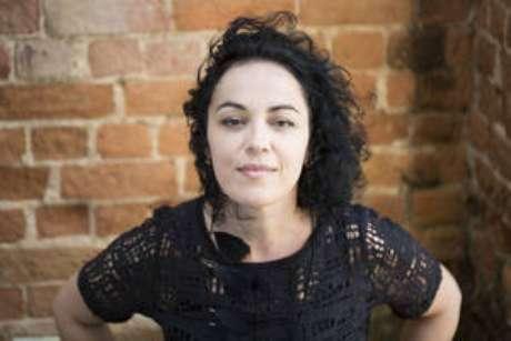 A escritora. 'Precisamos olhar para a sociedade na qual o feminismo surge e tentar entendê-la sob o prisma analítico e crítico'