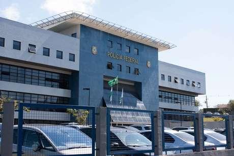 Fachada da sede da Polícia Federal, em Curitiba