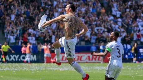 Técnico da seleção sueca diz que Ibrahimovic está fora da Copa