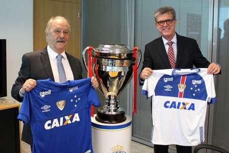 Cruzeiro assina renovação com a Caixa (Foto  Divulgação ... 0f0b20c1f9557
