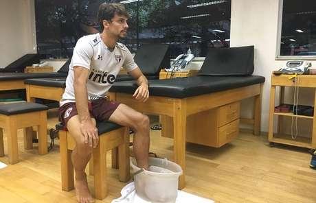 Zagueiro deu sequência ao processo fisioterápico após sofrer lesão no pé esquerdo diante do Ceará.