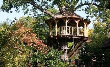 21. Casa na árvore aberta