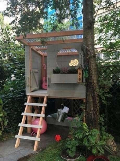 14- Casa na árvore de criança