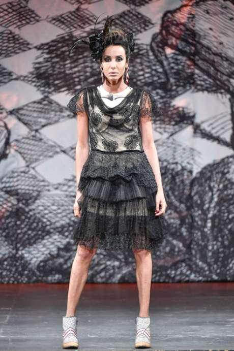 Modelo do desfile de Fraga: 'O que interessa é a moda ser entendida como cultura - isso é indiscutível', diz estilista