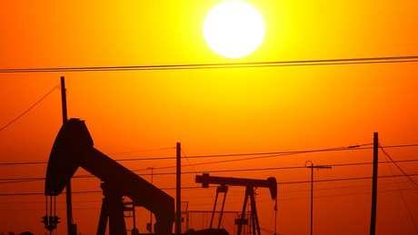 Redução na produção de petroleo pode ter grande impacto sobre economia global, como uma disparada da inflação