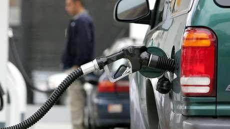 Uma possível escalada de preços do petróleo pode aumentar a inflação e os juros, por consequência, afetando a economia global, segundo analistas
