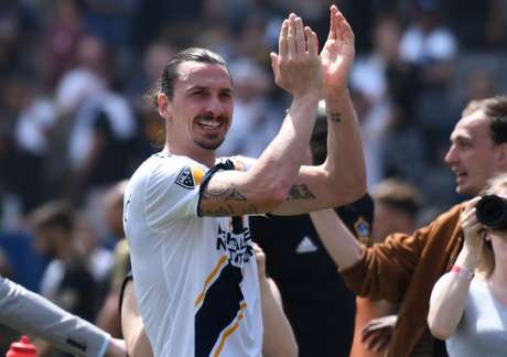 dMar 31, 2018; Carson, CA, USA; Los Angeles Galaxy forward Zlatan Ibrahimovic (9) claps after leading the Galaxy to a 4-3 win over Los Angeles FC at StubHub Center. Mandatory Credit: Robert Hanashiro-USA TODAY Sports - 10751665
