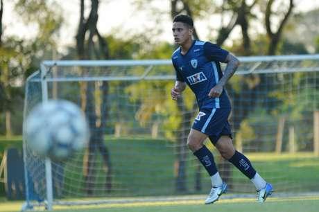 4e5cecadef Meia Dudu em treino no Londrina (Foto  Gustavo Oliveira Londrina Esporte  Clube)
