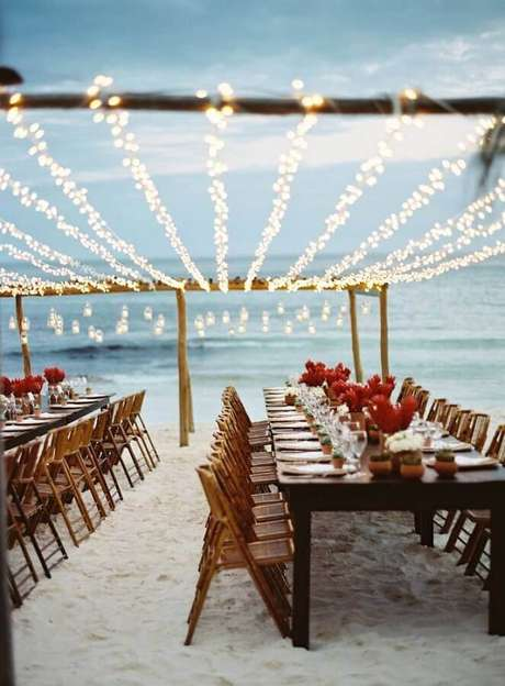 11. Decoração de mesas para casamento na praia simples