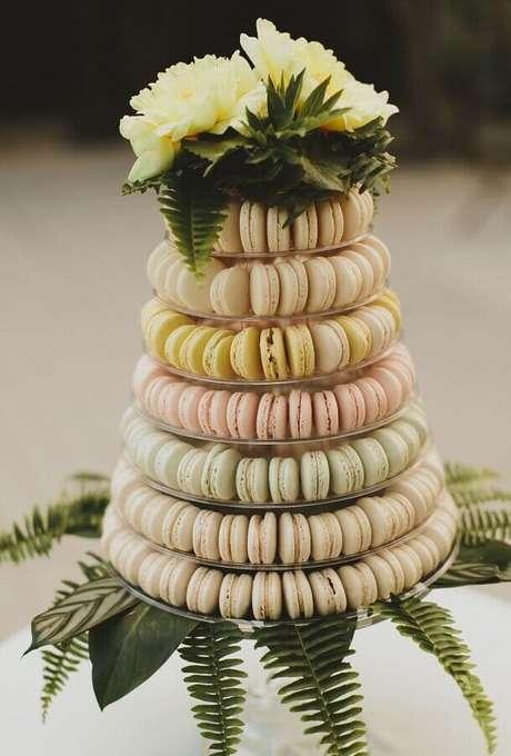 37. Crie lindos arranjos para incrementar a decoração de noivado na praia
