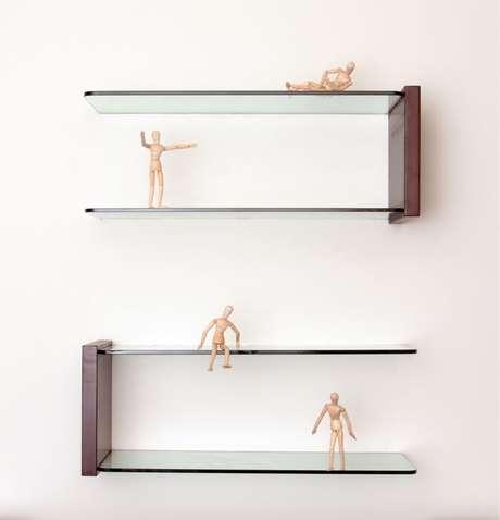 6. É você quem decide como vai usar a prateleira de vidro na decoração