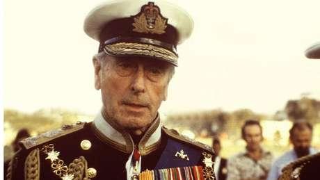 O nome escolhido para o bebê real homenageia o Lorde Louis Mountbatten, morto em 1979, tio-avô do príncipe Charles