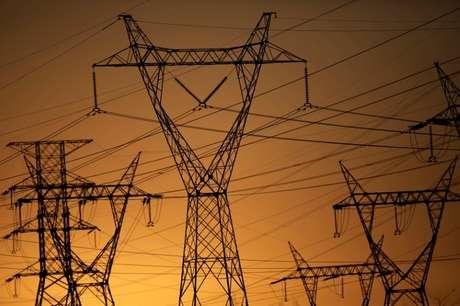 Torres de linhas de transmissão elétrica em Brasília, Brasil 31/08/2017 REUTERS/Ueslei Marcelino