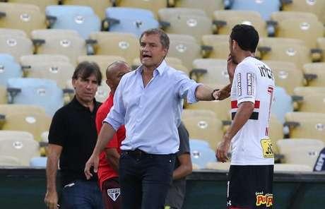 Treinador são-paulino não escondeu a frustração pelo resultado no Maracanã (Rubens Chiri/saopaulofc.net)