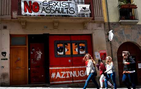 Festa popular de San Fermín, em Pamplona, tem chamado a atenção nos últimos anos por casos de assédio e abuso sexual