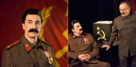O ator caracterizado como Stalin e em cena da peça com o colega Luiz Damasceno