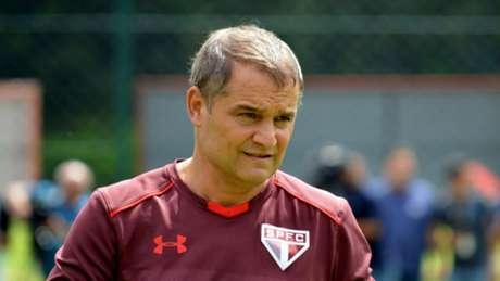 Técnico quer que Brenner evolua como centroavante e aponta Diego Souza na posição (Érico Leonan/saopaulofc.net)