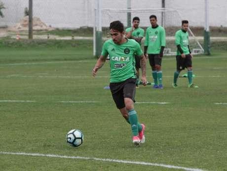 Mosquito é cria da base do Coxa e em setembro terá seu vínculo com o clube encerrado (Foto: Divulgação/Coritiba)