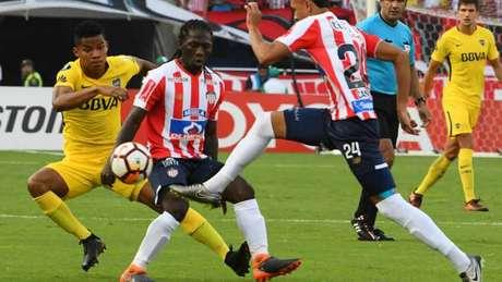 Junior Barranquilla e Boca Juniors ficaram no empate em 1 a 1, na Colômbia (Foto: AFP)
