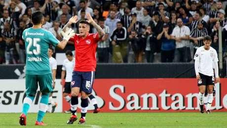 Independiente abre o placar com um minuto de jogo e bate o Corinthians na Arena por 2 a 1 (Foto: Luis Moura / WPP)
