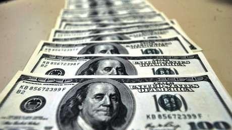 Dólar chega a R$ 3,60 e bate maior valor em quase dois anos