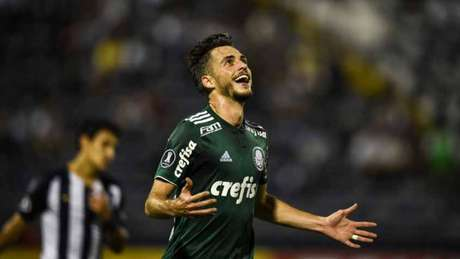 Com de Hyoran, Palmeiras derrota o Alianza Lima por 3 a 1 e amplia vantagem na liderança do grupo (Foto: AFP)