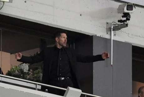 Simeone ficou em um camarote na semifinal contra o Arsenal, no Wanda Metropolitano (Foto: Gabriel Bouys / AFP)