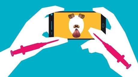 Filtros como o que permite ao usuário ter orelhas e focinho de cachorro eram usados por Kacie, que também fez tratamento estético inspirado em selfies | Fotos e ilustrações de Rebecca Hendin / David Mabrie / Getty / BBC Three