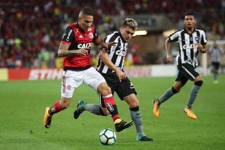 Guerrero quer voltar a jogar o mais rápido possível. Ele deve ser relacionado para o domingo (Fotos: Gilvan de Souza / Flamengo)