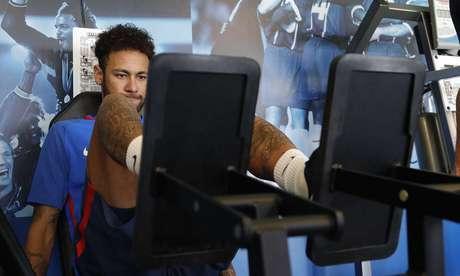 Neymar realizou exercícios físicos no PSG