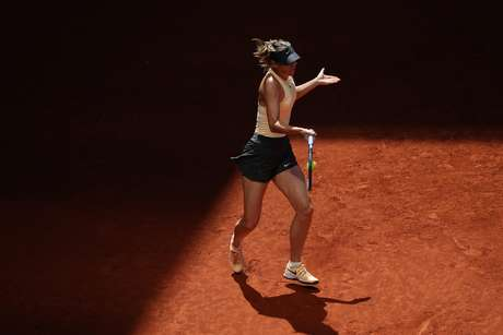 Depois de três meses sem saber o que é uma vitória, Maria Sharapova voltou a vencer uma partida no circuito mundial.