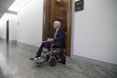 John McCain não quer Donald Trump em seu funeral