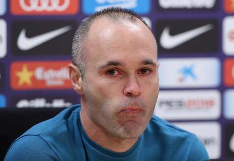 Iniesta concede entrevista de despedida no Barcelona  27/4/2018     REUTERS/Albert Gea
