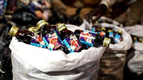 Frascos são vendidos no mercado negro por funcionários das próprias empresas produtoras
