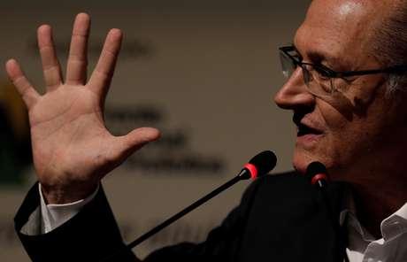 Pré-candidato do PSDB à Presidência, Geraldo Alckmin, durante evento com prefeitos em Niterói 08/05/2018 REUTERS/Ricardo Moraes