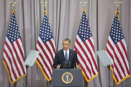 Barack Obama critica decisão de Donald Trump de sair do acordo nuclear com o Irã.