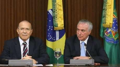 Eliseu Padilha (esq.) e Michel Temer (dir.) são investigados num inquéritos sobre a relação do MDB com a Odebrecht