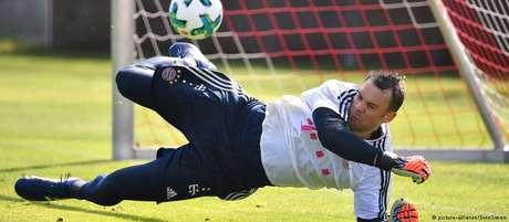 Parado desde setembro em razão de uma fratura no pé esquerdo, Manuel Neuer retomou recentemente os treinamentos