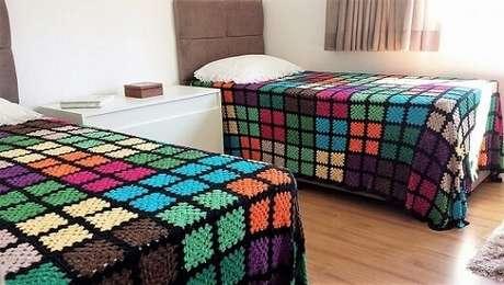 31. Colcha com quadrados coloridos