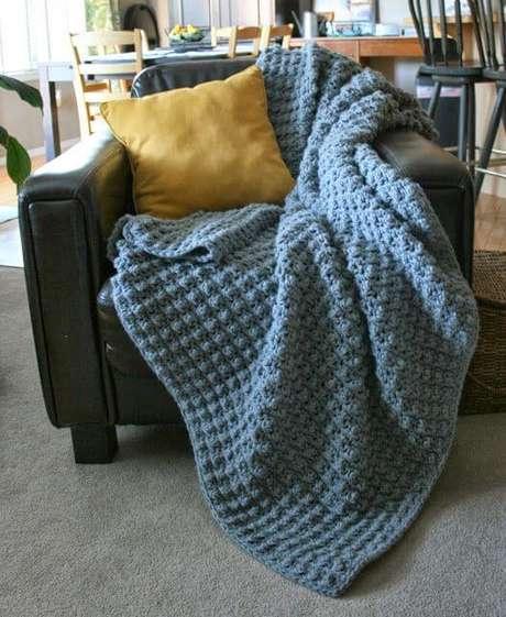 8. A colcha de crochê também pode ser usada em outros móveis e cômodos da casa