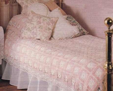 49. Colcha fina com as cores rosa e branco