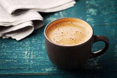 Café cremoso com leite