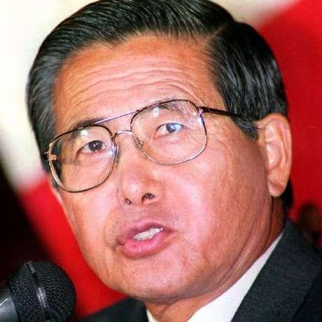 Fujimori implementou um forte ajuste fiscal para combater a inflação no Peru