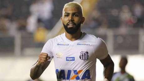 Gabigol marca três vezes e ajuda Santos a golear o Luverdense na Copa do Brasil (Foto: Ale Vianna/Eleven)